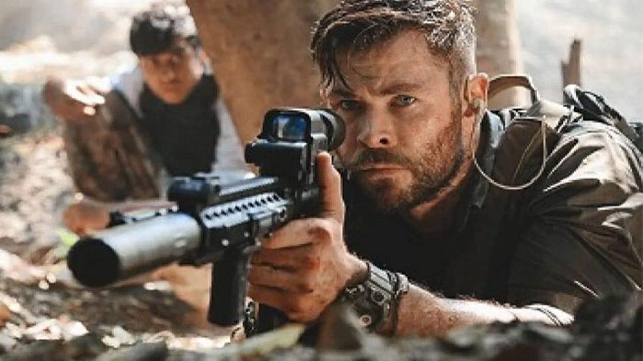 Vyproštění 2: Hemsworth nabral pro natáčení v Česku hromadu svalů