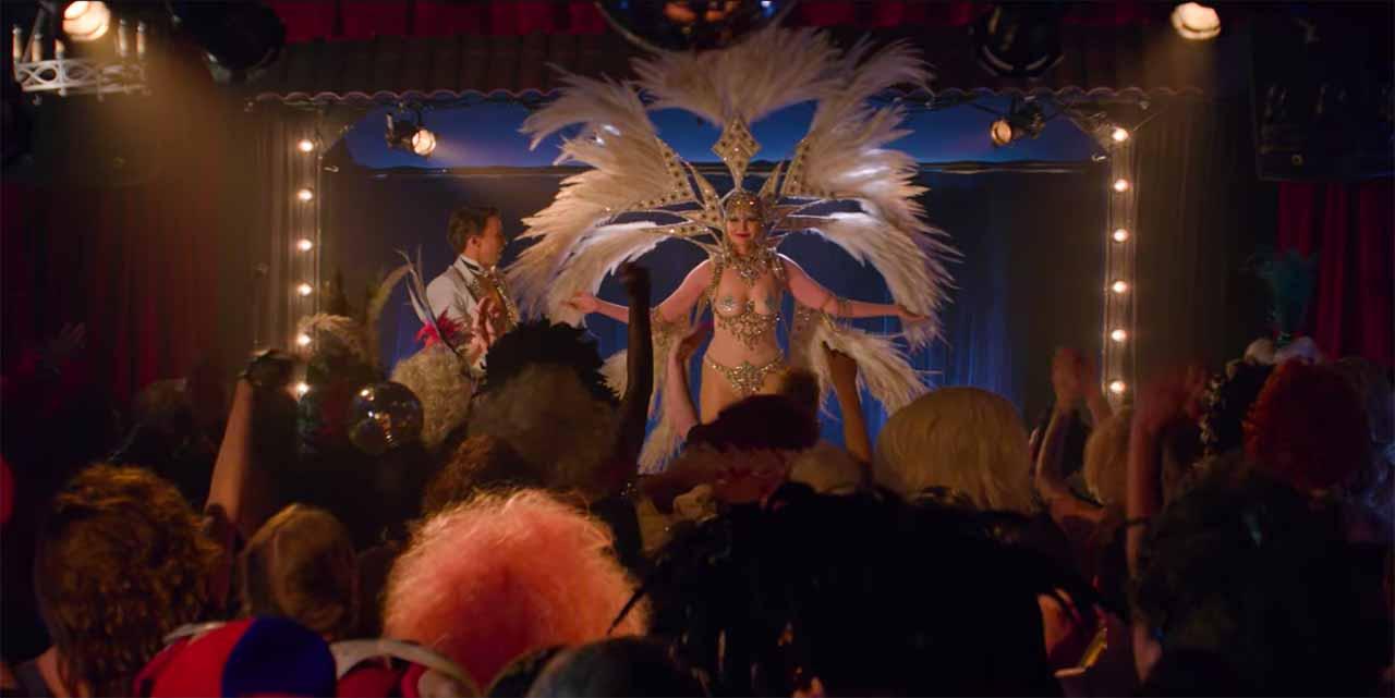 GLOW - Geena Davis a její vystoupení