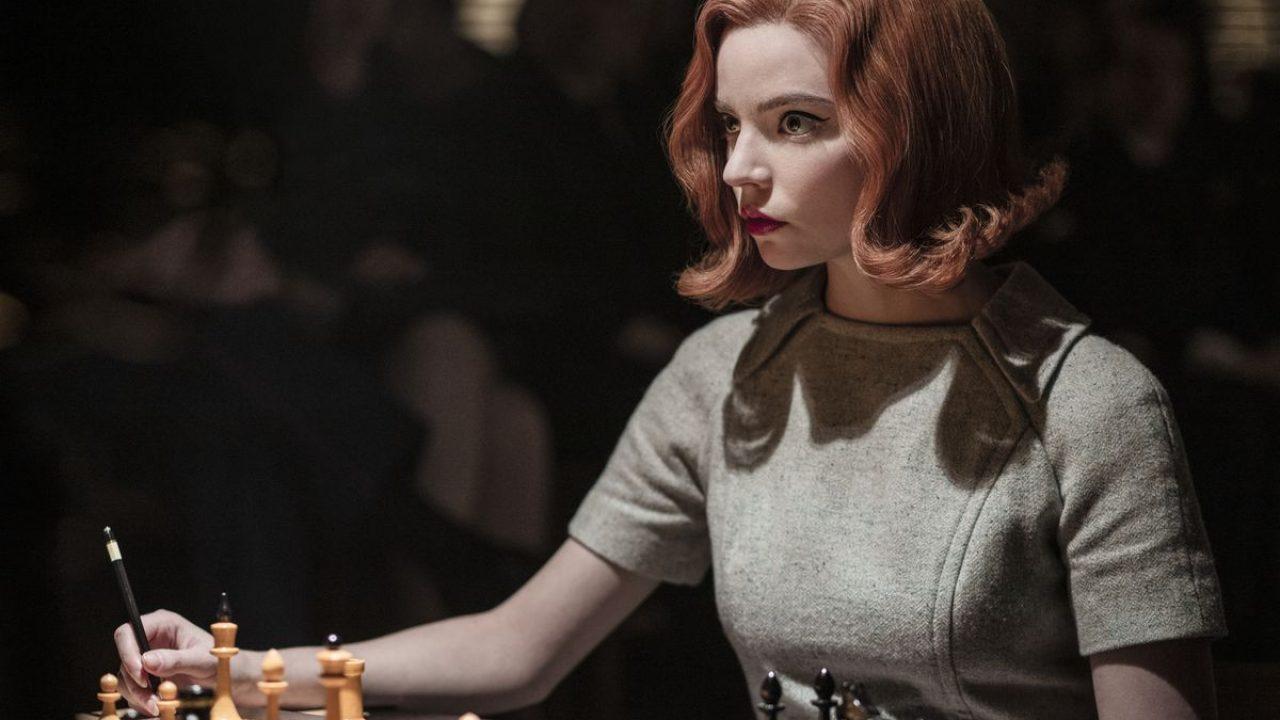 Netflix přidává s češtinou nové filmy s hvězdou Dámského gambitu