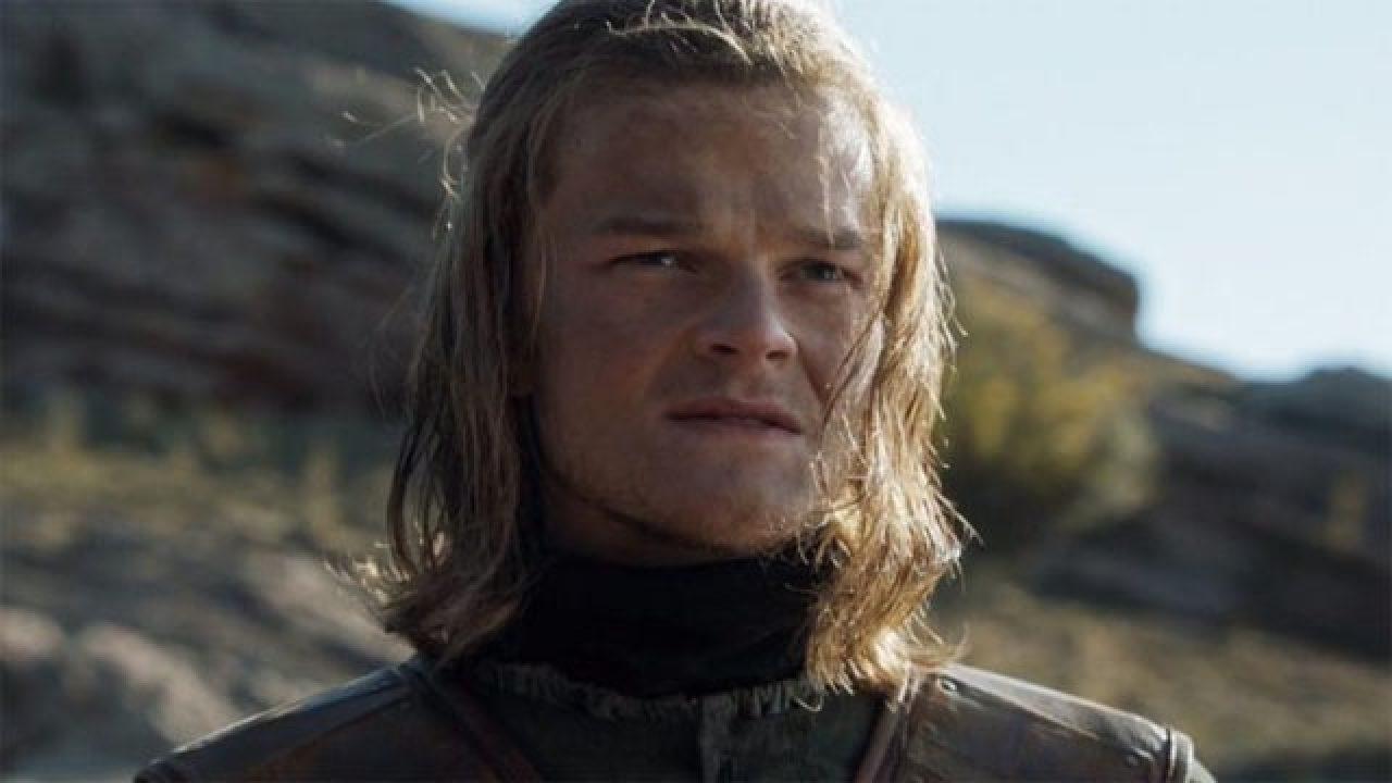 Seriálový Pán prstenů do hlavní role obsadil mladého Neda Starka