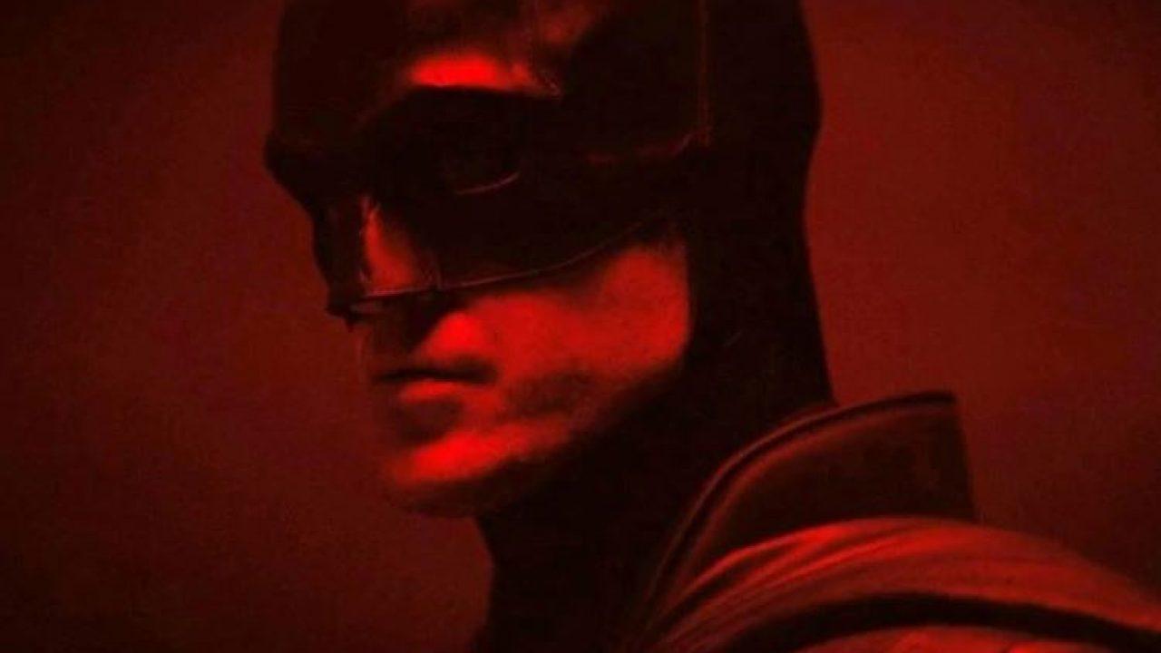 PRVNÍ POHLED: Robert Pattinson poprvé v kostýmu Batmana!