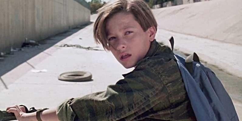 Do filmu Terminator: Dark Fate sa vráti pôvodný John Connor