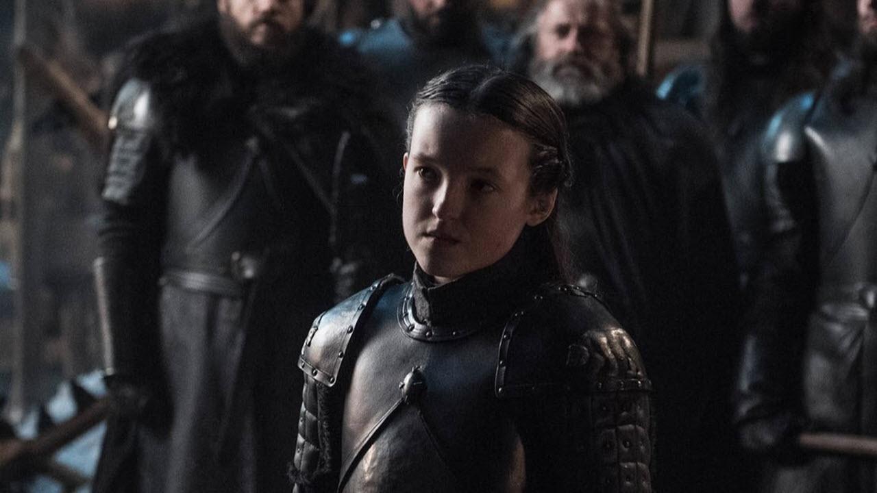 Hra o trůny: Fotky k 2. epizodě ukazují Lyannu Mormont ve vlastní zbroji