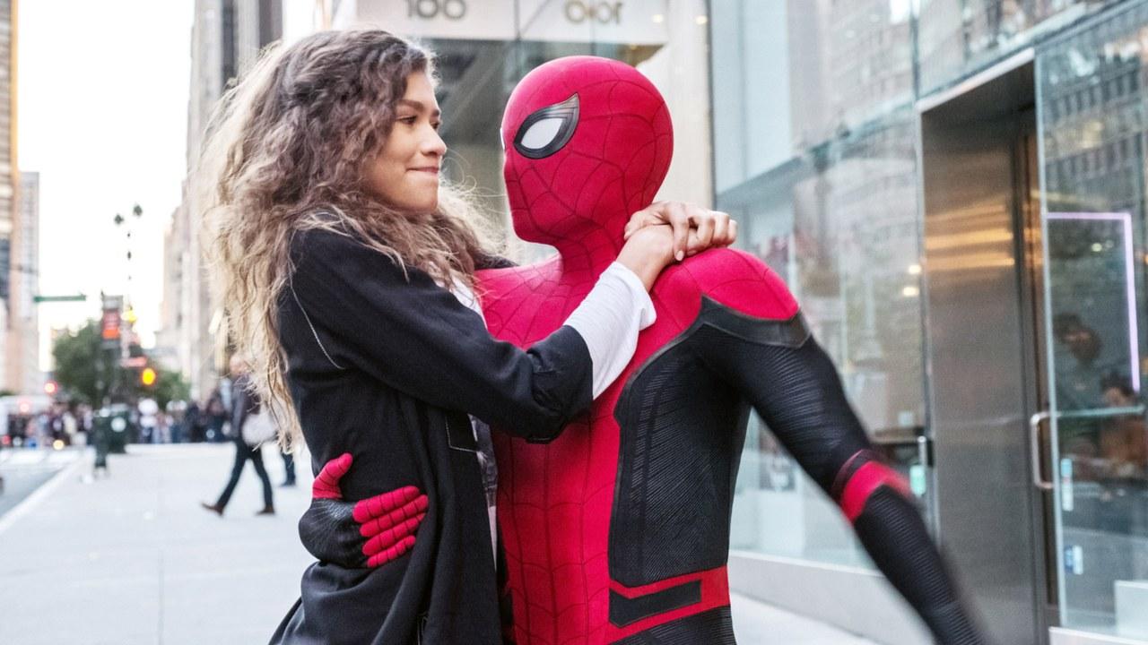 Návrat J.J. Jamesona a další easter eggy a pomrknutí v novém Spider-Manovi