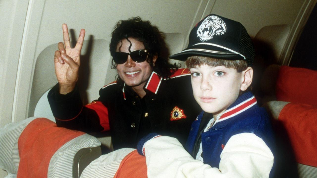 Kontroverzný film o Jacksonovi je na HBO