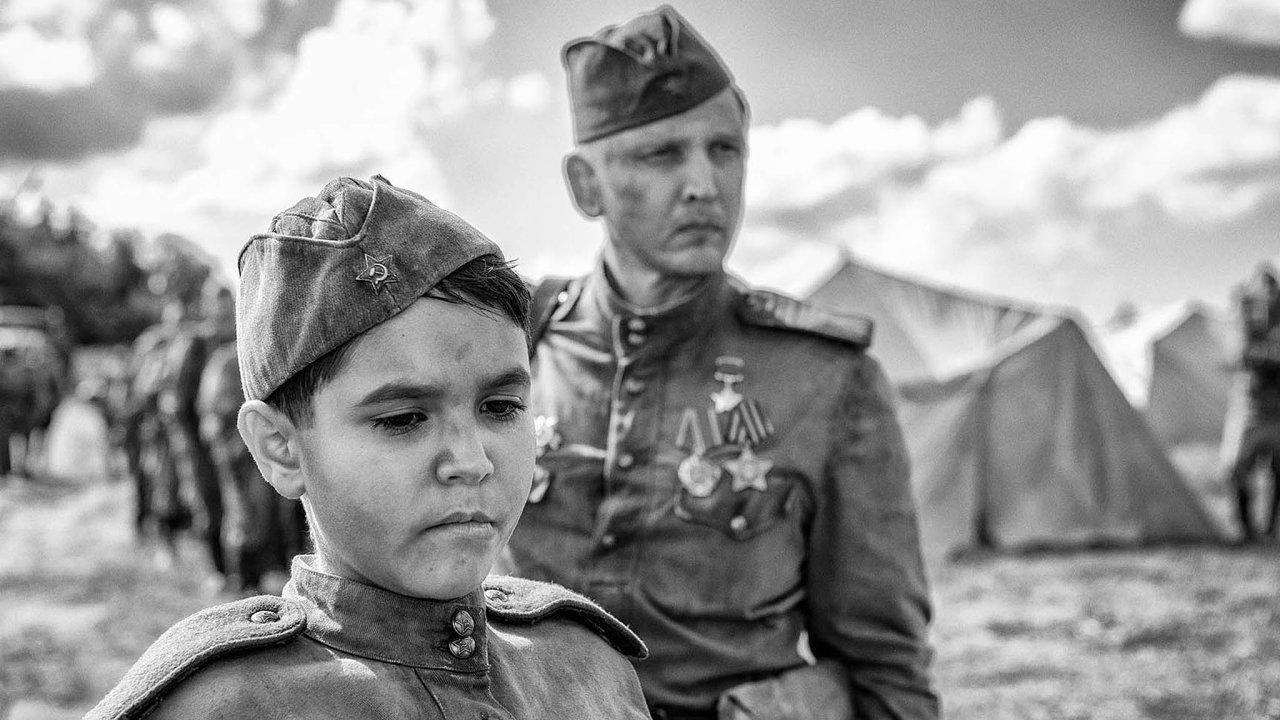 Nabarvené ptáče bude za Česko bojovat o Oscary. Má šanci dostat nominaci?