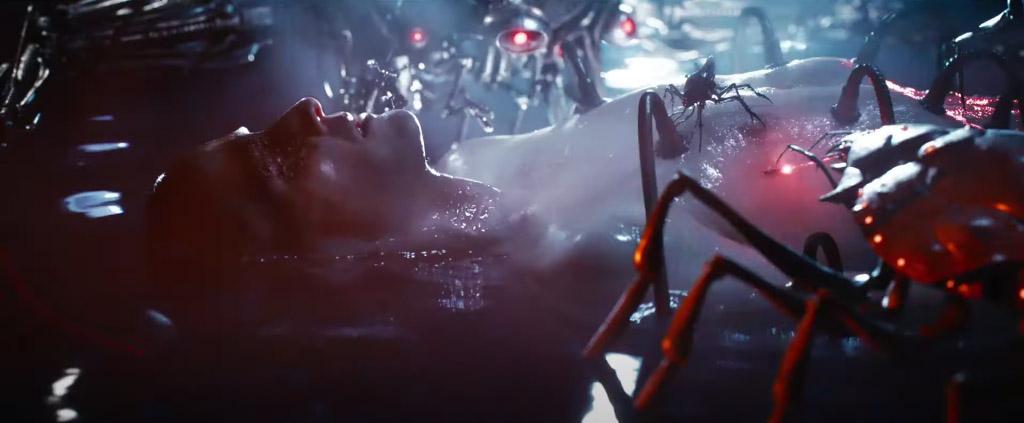 Těla Nea a Trinity jsou připojena k Matrixu