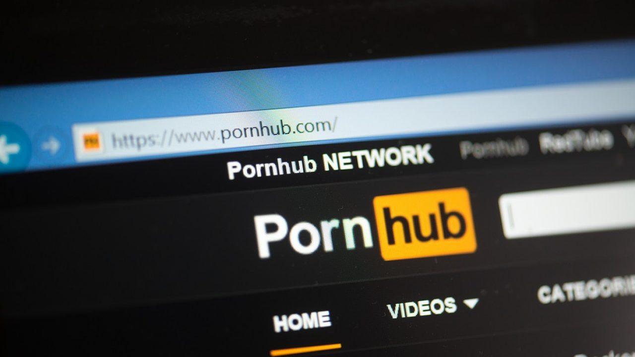 Zpestření karantény: Pornhub nabízí prémiový obsah celosvětově zdarma