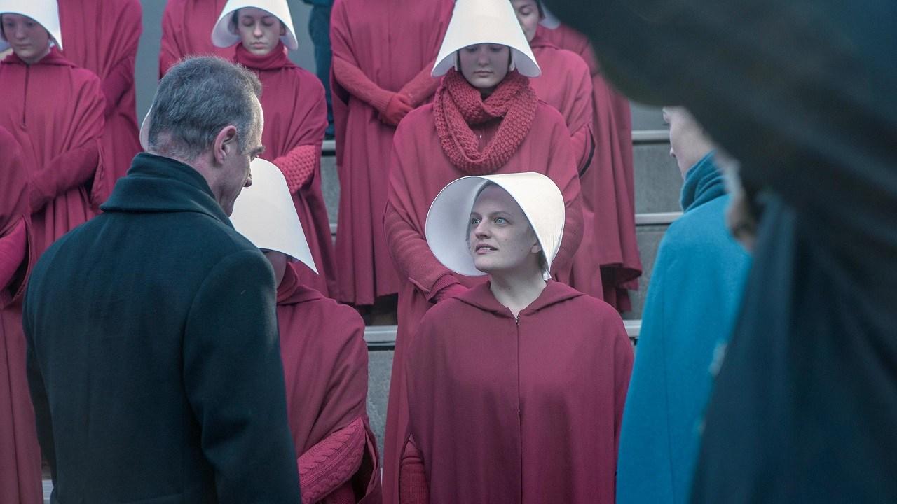 Příběh služebnice na Hulu i HBO boduje, dočká se čtvrté řady