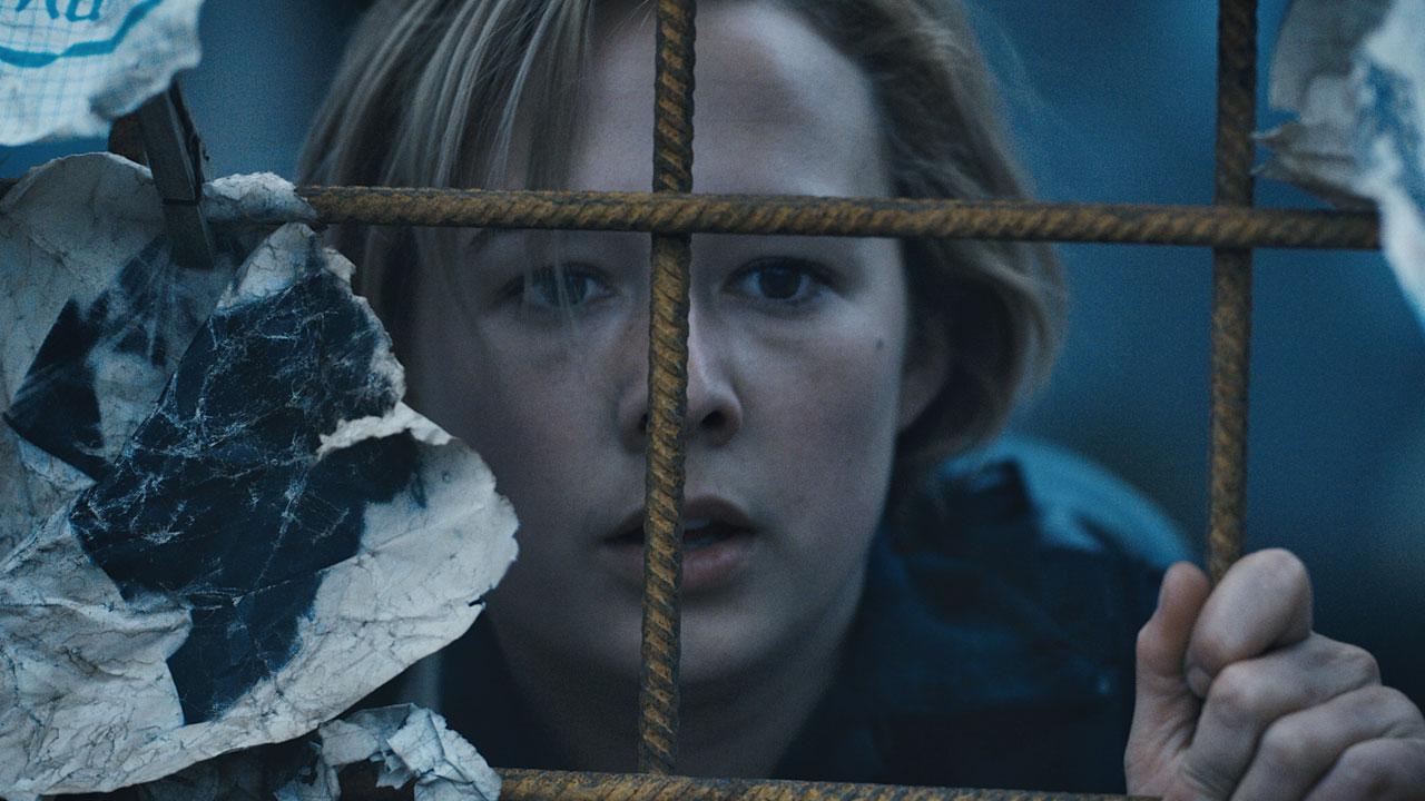 RECENZE: Postapokalyptické sci-fi The Rain je skromný klenot Netflixu