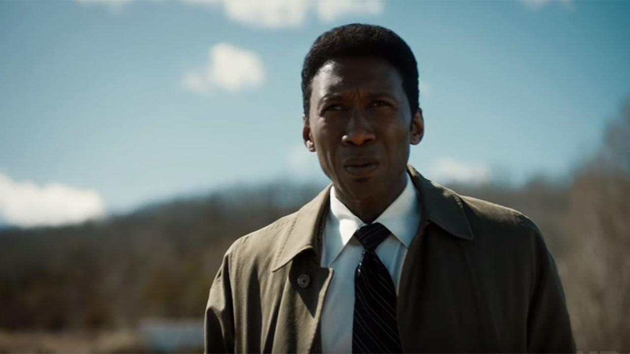 Trailer ke třetí řadě Temného případu se tíživou atmosférou vrací ke kořenům