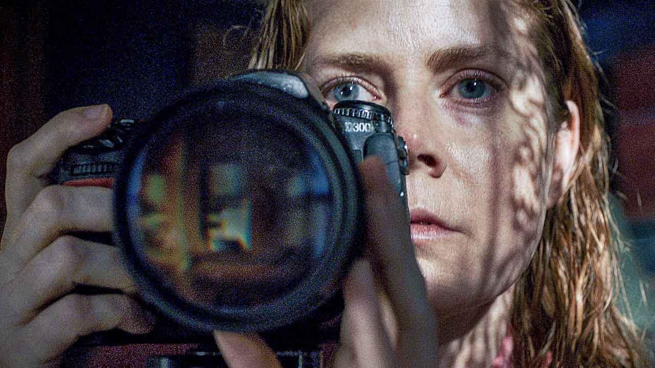 Blíží se thriller jara? Netflix ukázal skvělý trailer očekávané Ženy v okně