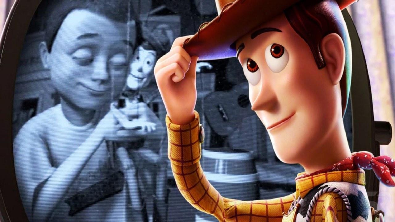 Toy Story: Kde byl Woody těch 40 let před tím, než potkal Andyho?