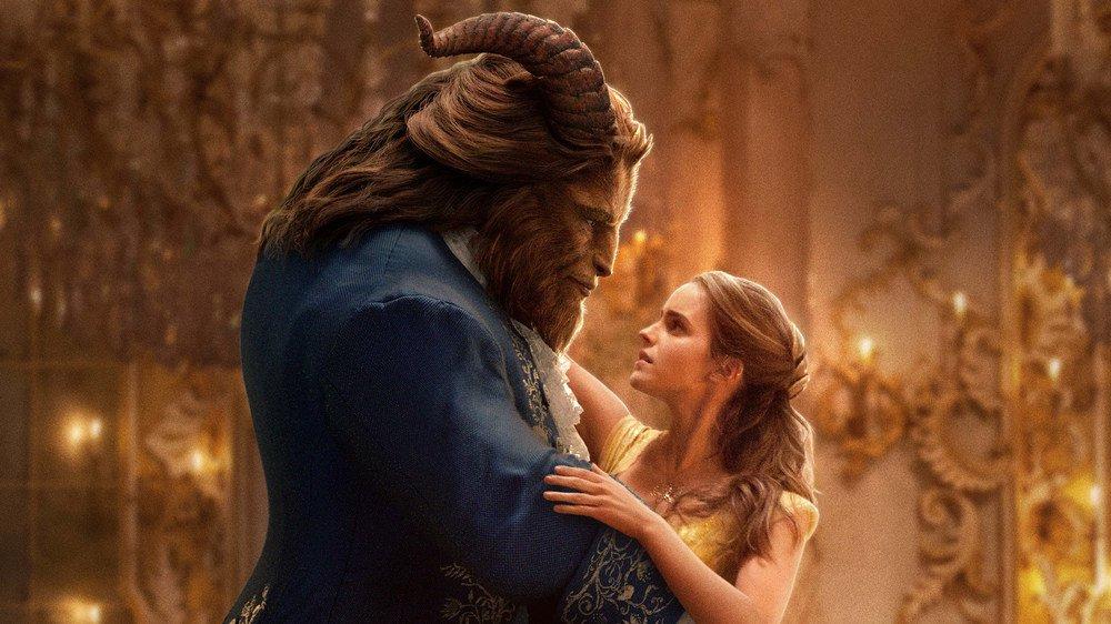 Kráska a zvíře dál vítězí, zastaví ji Šmoulové?
