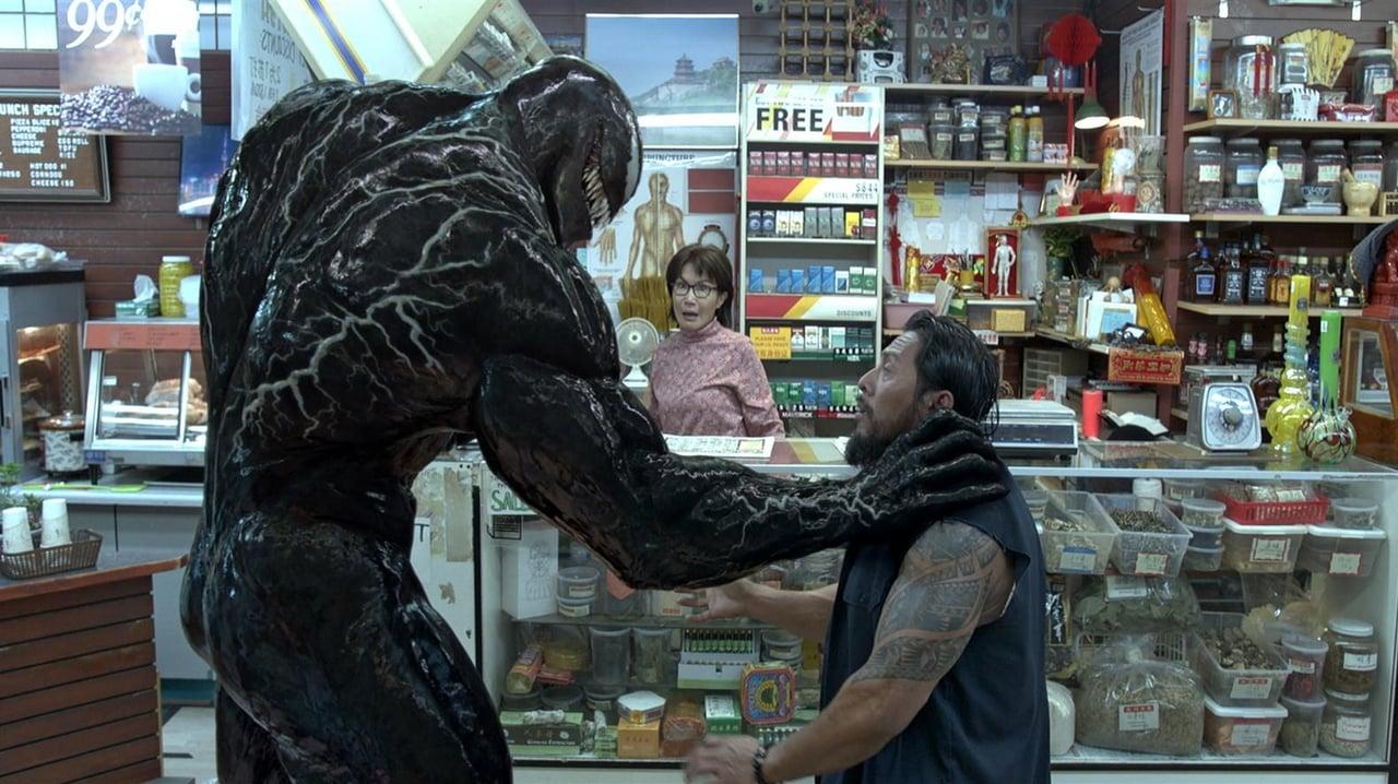 Venom si dál pochutnává na konkurenci, další obětí je První člověk