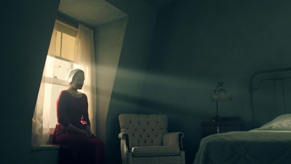 Kdy se vrátí Příběh služebnice, Temný případ a další seriály?