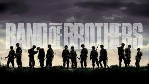 Bratrstvo neohrožených dostane další díly, seriál od HBO přebírá Apple