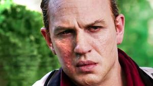 Další úspěch VOD. Gangsterka s Tomem Hardy překonává v prodejích očekávání