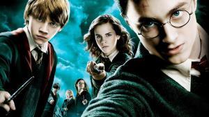 HBO Max vykládá trumfy! Natočí nový seriál ze světa Harryho Pottera
