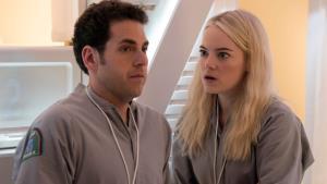 Dnes uvedený nový seriál Maniac láká na Netflixu na hvězdná jména