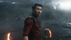Shang-Chi konečně na solar! Nový Avenger řádí v trikově plnotučném traileru