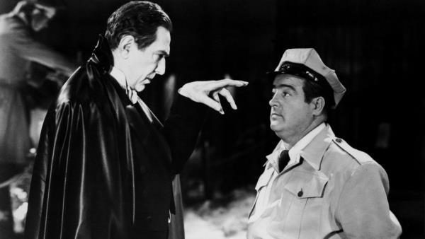 Abbott a Costello se setkávají s Frankensteinem