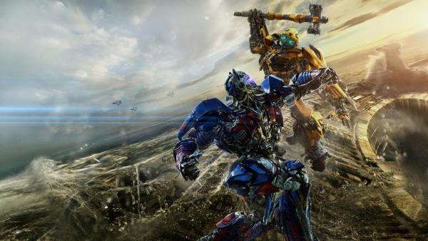 Nejhorší filmy roku? Transformers 5, Emoji a Mumie