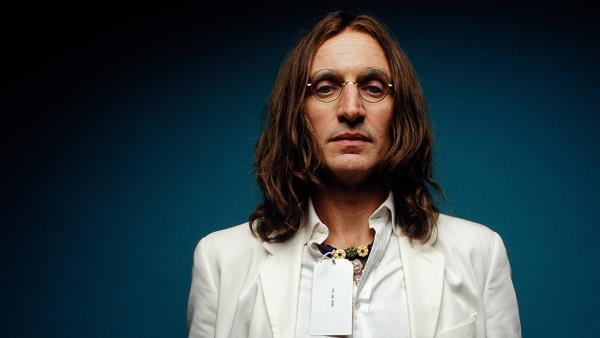 Objevování Lennona