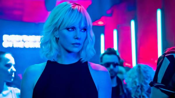 Atomic Blonde: Bez lítosti