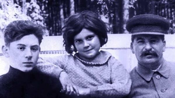 stalinova-dcera