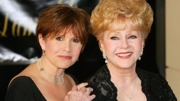 V záři reflektorů: Carrie Fisher a Debbie Reynolds